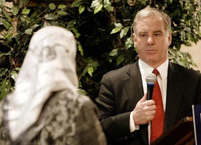 Democratic presidential hopeful former Vermont Gov. Howard Dean listens to a question at an Islamic Society of Milwaukee breakfast Monday, Feb. 16, 2004, in Milwaukee. (AP Photo/Morry Gash)